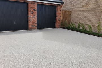 Pearl Quartz Resin Bound Driveway in Crowland