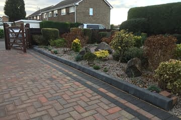 Block Paved Drive with Kerb Edgings