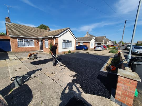 Tarmac Being installed in Gunthorpe
