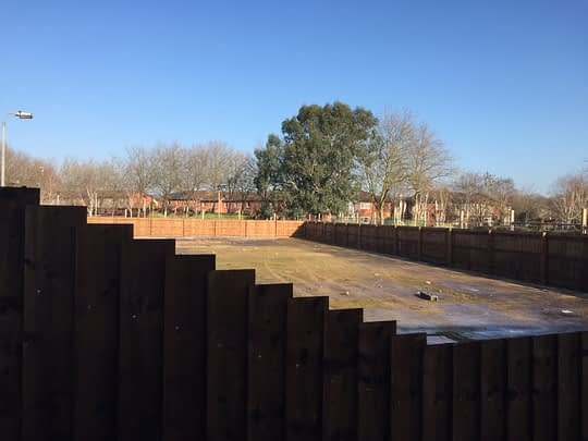 Staggered Fencing for Steps