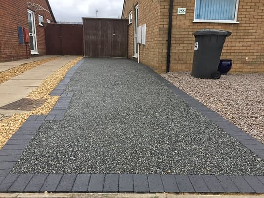 Daltex Black and Silver Resin Bound Drive in Peterborough